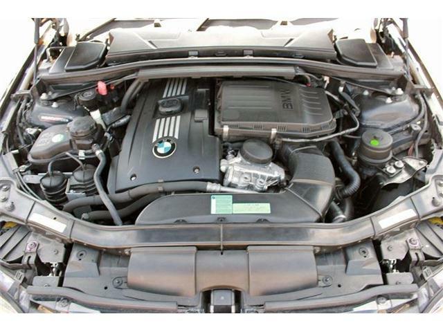 306ps(カタログ値)を叩き出すBMW伝統の3.0リッター直6ツインターボエンジン!そのパワフルな走りを是非ともご体感下さい!
