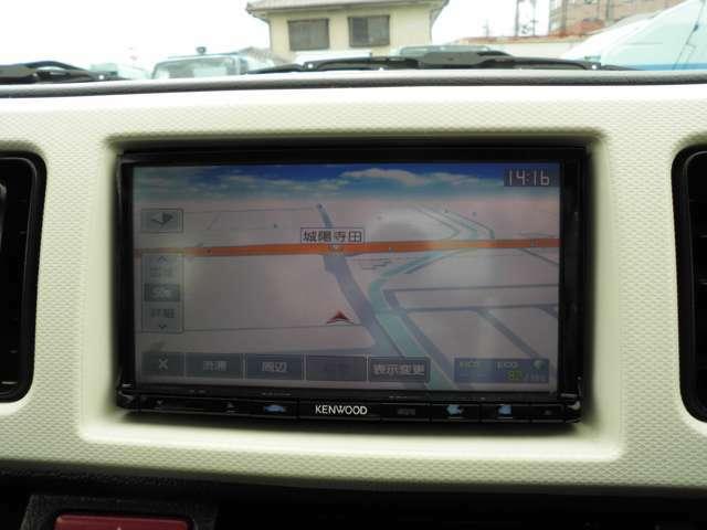 KENWOOD製のメモリーナビ付きです。ワンセグTV視聴できます。CD再生可能です。地図データは2015年製です。