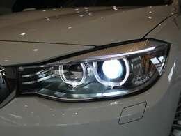 広範囲を明るく照射し高い視認性を確保するキセノンヘッドライトを採用!視認性が低下する夜間での視界を向上させ安全なドライブをサポートします!!TEL:045-844-3737