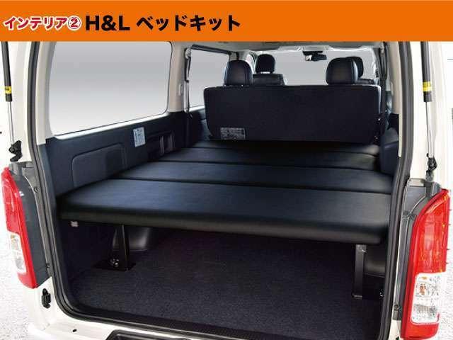 オリジナルベッド。5段階の高さ調整が可能。使い勝手を重視したMADE IN JAPANのベッド。安心して車中泊をお楽しみ下さい。