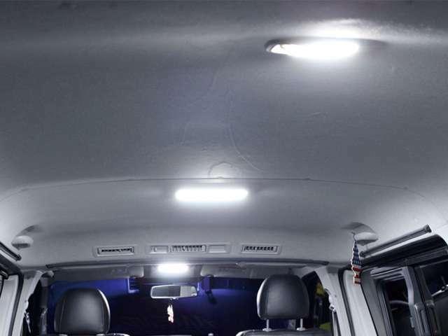 Aプラン画像:conceptH純白光LEDルームランプセット 純白光の高輝度LEDが室内を明るく照らします。ルームランプ/ステップランプ/ナンバーランプのセットになります。