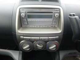 操作がカンタンで 扱いやすい純正デッキ装備。ドライブも楽しくなります。