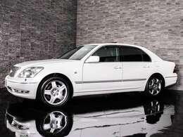 ★ボディーカラーは新車時からの純正色です!色替え車・オールペイント車両ではございません。ホワイトパールクリスタルシャイン!カラーナンバーは062です!