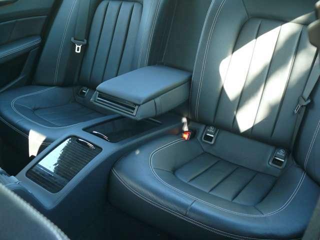 上下車高調整可能AIRサスペンション スポーツサスモード、コンフォートモード機能