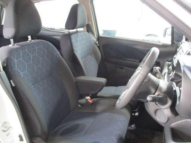 運転席/助手席シートヒーター 運転席シートハイトアジャスター キーレスオペレーションシステム サイド/カーテンエアバック