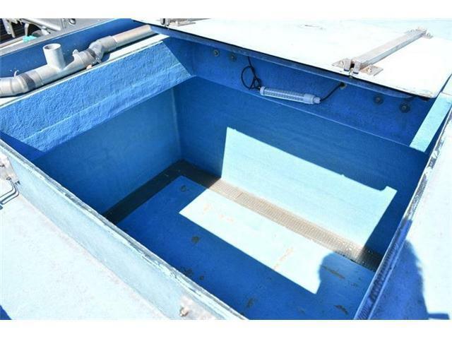 ■フロントの水槽スペースは腐食なども全くございません■