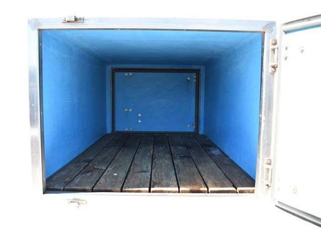 ■ドアやスペース内の腐食や割れなどはございません!■