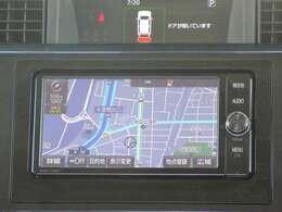 メモリーナビ付きです。知らない場所にお出かけの際には非常に活躍します。Bluetoothを搭載しておりますので、運転中でもハンズフリーにて通話を行うことができます。