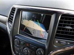 バックモニターと360度センサーで安全に駐車出来ます。