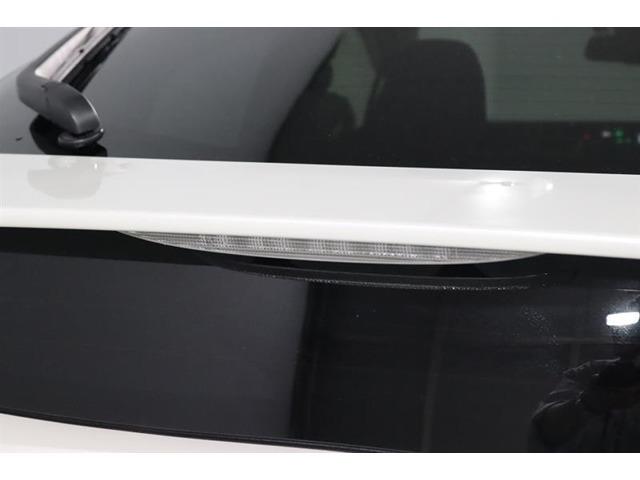 リアスポイラー付きです。もちろんかっこいいのですが、ハイマウントのストップランプが後続車にブレーキを踏んだことを知らせてくれるので安全面もUPします。