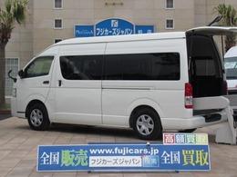 トヨタ ハイエースコミューター 福祉車輌 ウェルキャブ Dタイプ 車いす4基固定 9人乗り リアリフト