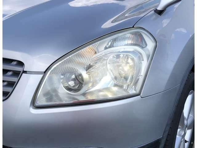キセノンヘッドライト(LOビーム)※LOビームを点灯した状態で、撮影いたしました。