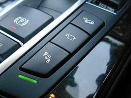 遠方のお客様には詳細画像の送信も承ります。またオンラインでの車両確認も可能です。