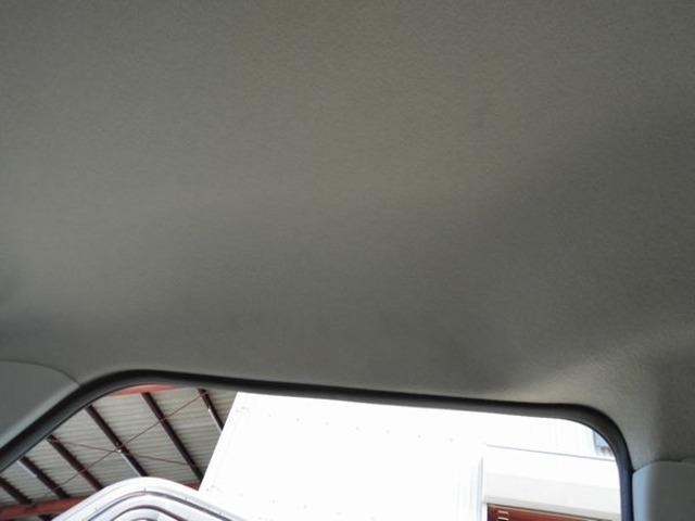 運転席の上トリムも綺麗です