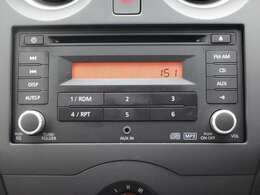 純正CD一体AM/FM電子チューナーラジオ(時計表示付)