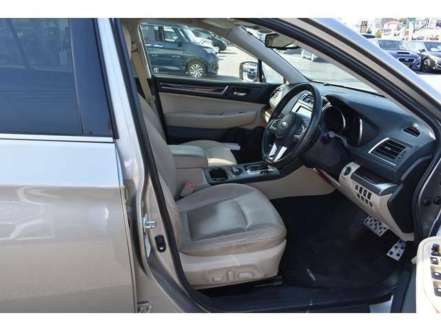 くつろぎと上質に満ちた快適な空間を目指して。ロングドライブでも疲れにくい理想的な座り心地を提供。