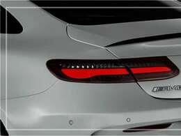 綺麗な外装色カルサイトホワイト(限定400台)!! AMGエクステリアをベースにエディション1専用エアロパーツ&19インチアルミホイール、専用デカールが特別仕様車ならではの迫力有るエクステリアを演出!!