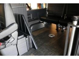 フローリング施工にベットマット、センターテーブル、家具は全て収納可能で御座います!