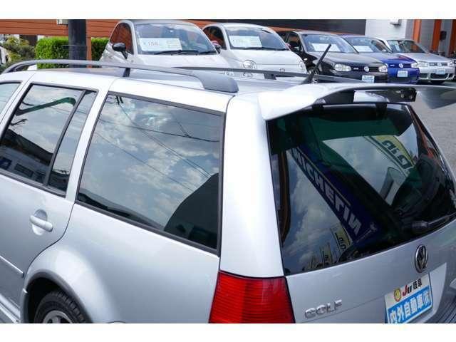 自社鈑金塗装ブース完備!!当社にて販売させて頂くお車は、ピカピカにしてからのお渡しです。「中古車だから仕方ない…」そんな事言わせません!
