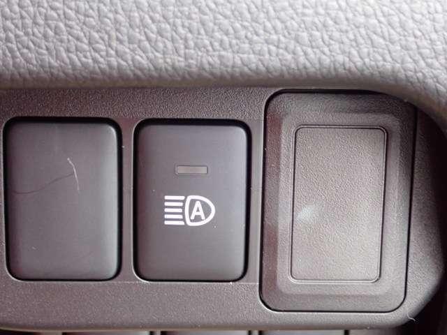 対向車を車が検知して、ライトを自動で切り替えてくれます♪