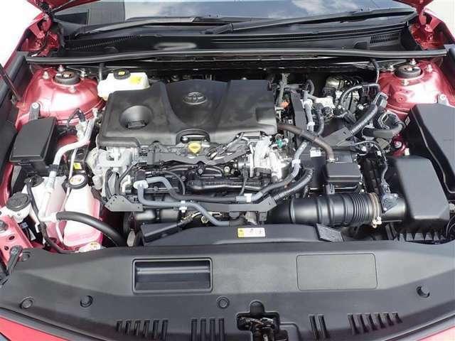 エンジンル-ムも隅々まで綺麗に洗浄しています。ハイブリッドユニット搭載