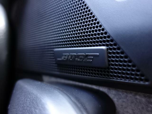 BOSEサウンドシステム搭載しています。BOSE社と共同開発により車種専用チューニングが施されています。良質なサウンドでお好きな音楽をお楽しみください。