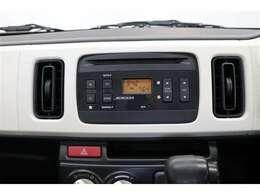 純正オーディオ・CD■ラジオを聴くこともできます!当たり前の装備かもしれませんが、なくては困るドライブの必需品ですね!