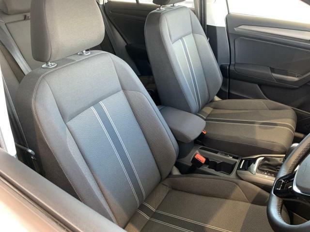 高いアイポイントで座り心地も良い運転席シート