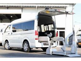 トヨタ レジアスエース 2.0 ウェルキャブ Bタイプ ロング 電動スイングアームリフト 車いす固定装置