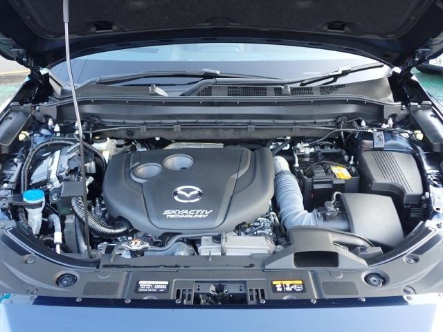2.2L直列4気筒DOHC16バルブディーゼルターボエンジンは、4Lエンジン並みのトルクによる余裕の走りと、低燃費+軽油使用による高い経済性を両立しています!パワフルでお財布にやさしいエンジンです!