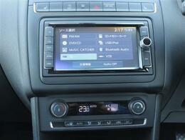 ナビは純正ナビとなっており、CDDVDはもちろんTV、ブルートゥース、CD録音機能もついております!エアコンは温度調節のしやすいオートエアコンになっております。