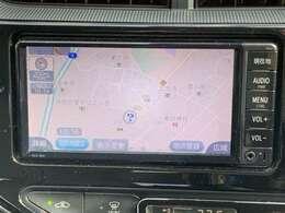 純正メモリーナビゲーションを搭載、CD、AM/FMチューナー、ワンセグチューナー内蔵しています。