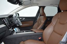 使用感もなく、とても綺麗な状態です。ボルボのシートは人間工学に基づいたデザインで、長距離ドライブでも疲れを感じさせません!
