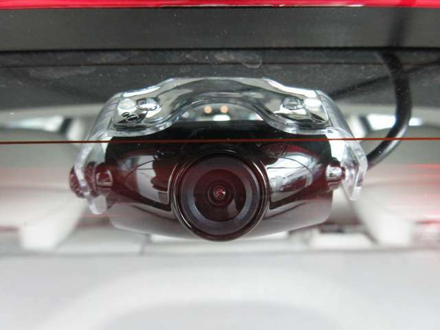 Aプラン画像:リアカメラもついて後方も監視します。