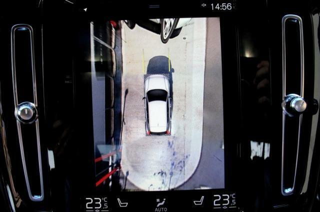 360度ビューカメラは標準装備です。全周囲高解像度で表示します。