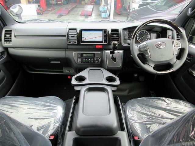 特別仕様車専用の高級感ある室内!座面も高く見晴らしもグッドです♪