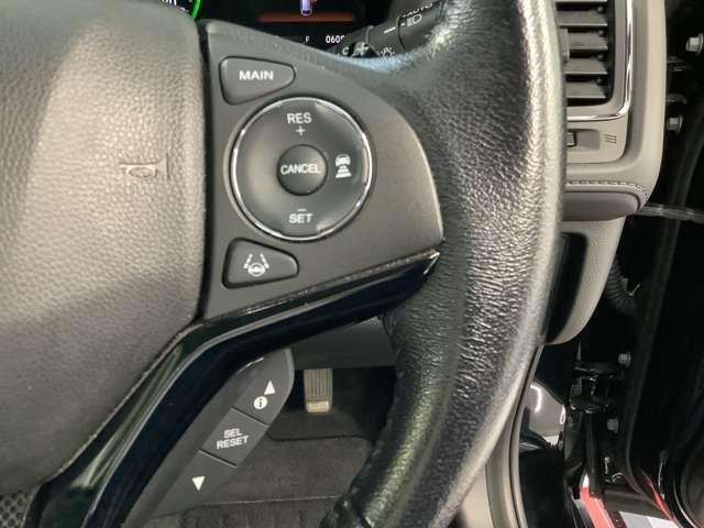 ハンドルの右側に、高速道路で使用できるホンダセンシングの操作スイッチがまとめられているため、操作もラクラクです!