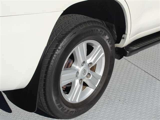 タイヤサイズは285/60R18!納車前の点検時に交換させていただきます!