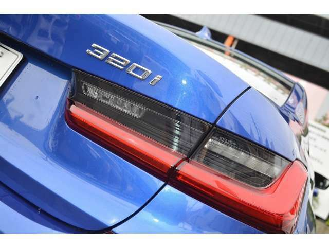 ご納車前には、BMWを熟知したメカニックによる100項目の点検・整備を行います。不具合箇所、交換時期に達している部品に関しましては、全て当社負担で交換してからのご納車となります。