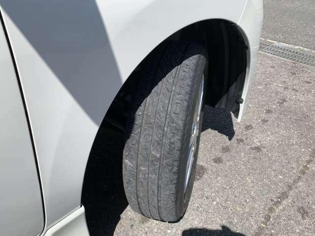 タイヤ溝まだまだあります!