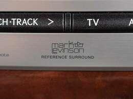 マークレビンソンプレミアムオーディオ、DVD機能もセットオプションにて完備しております。