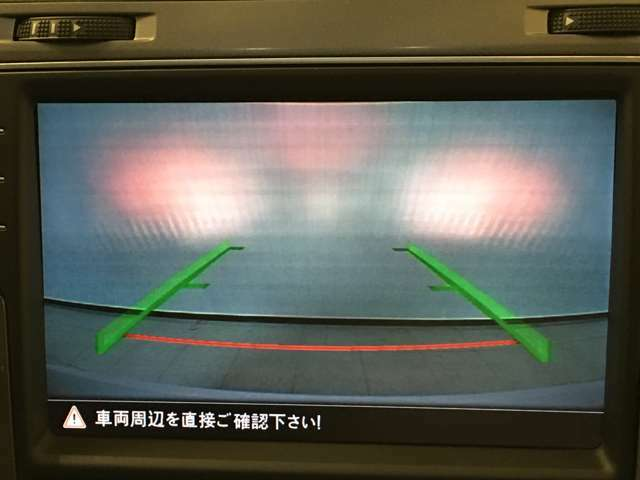 【バックカメラ】で駐車時に後方確認もできますので、大きな車の運転で不安な方も安心してお乗りいただけます!