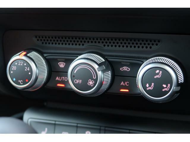 ●オートエアコン 『ワンタッチで室内に合った温度に調節することが可能です。』