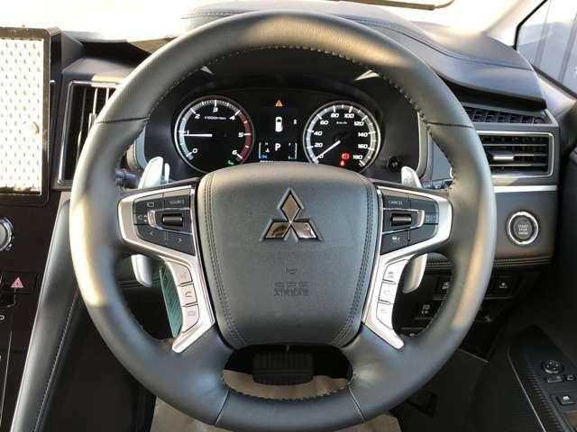 レーダークルーズコントロールシステムを搭載。先行車の加速・減速・停止に追従走行。設定した車間距離を保ちながら走行します。