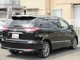 車体色「ブラック」 全長:482cm 幅:181cm 高さ:176cm