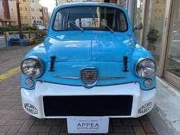 1955年ジュネーブ・ショーでデビューしたこの600は設計者のダンテ・ジアコーザにより当時革新的なRRレイアウトを採用!1960年に排気量が633ccから767ccへ拡大され600Dへモデルチェンジ!