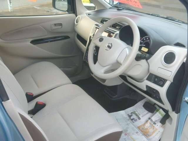 ★運転席側から。車内は、タバコ臭等気になる臭いや汚れなく、綺麗な状態は嬉しいですね(^_-)-☆。