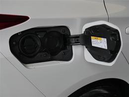 【充電ポート】充電コネクター差込口です。普通充電のみ対応しています。