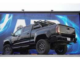 ブラックホース ブラックアトラスルーフバー ドライブレコーダー パワーシート アップルカープレイ アンドロイドオート LEDルーフバー 装着されております!