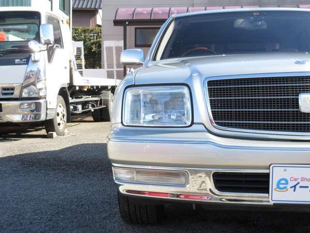 当店では入庫時に一度ルームクリーニングをしておりますが、納車前にもう一度ルームクリーニングを行い、綺麗な状態でお客様に納車いたします。